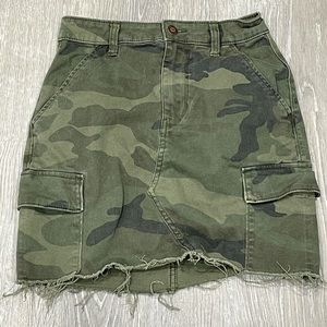 Hollister Camo Skirt Size 0 24 High Rise